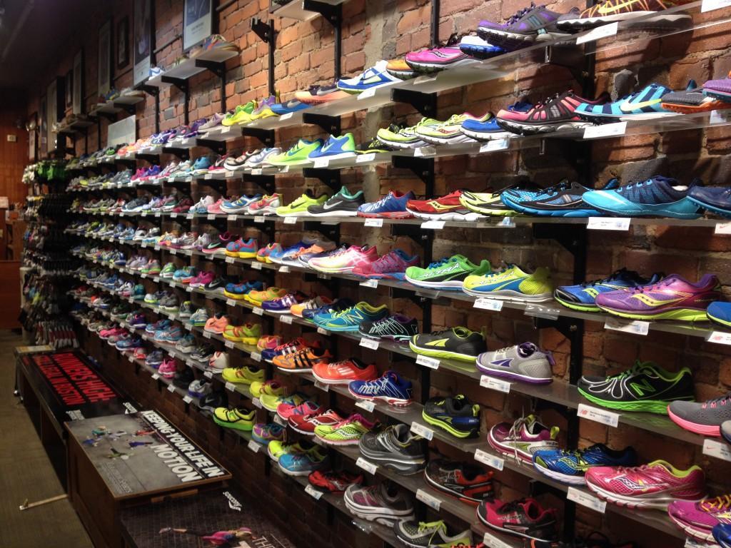 4da0d7e6bd44f Aprire negozio di scarpe  ecco come lanciarsi nel settore delle ...