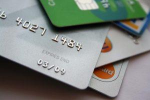 Carta di credito giovani zero spese: come ottenerla?